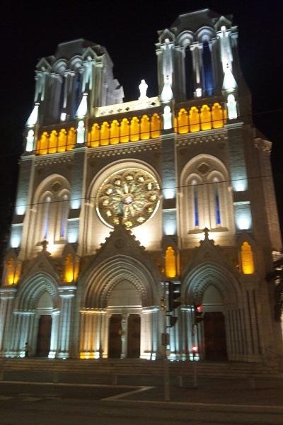 ニース 夜のノートルダム教会