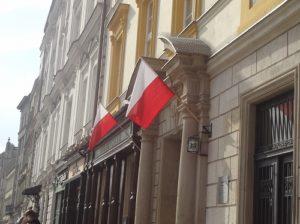 ポーランド クラクフ 国旗