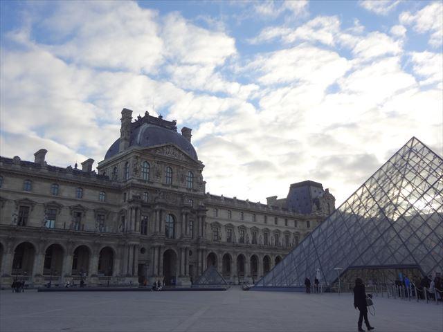 フランス パリ ルーブル美術館